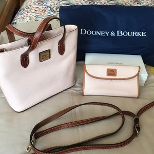 Dooney & Bourke purse and wallet